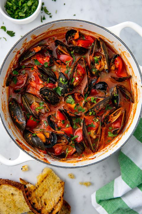 Cozze with Tomatoes and Garlic Vertical